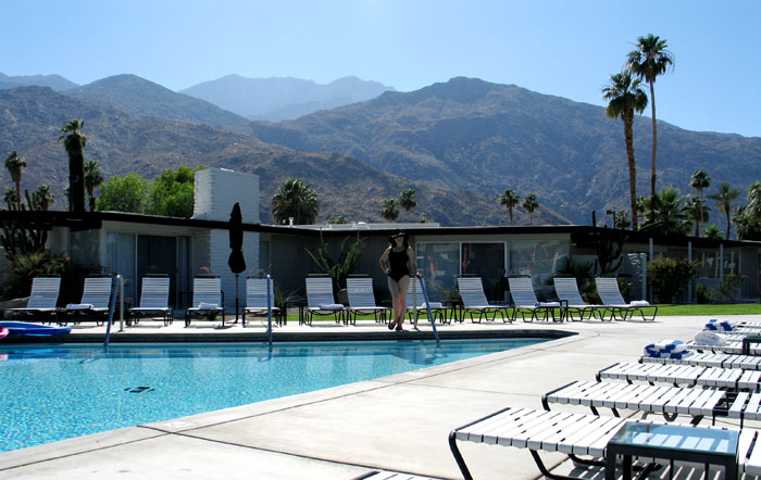 The pool at The Horizon Hotel, Palm Springs