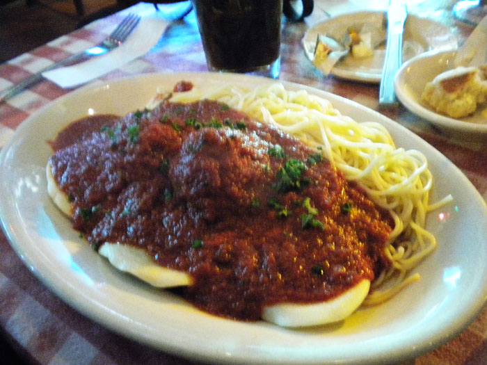 Not very good spaghetti and ravioli at Micelli's, Hollywood