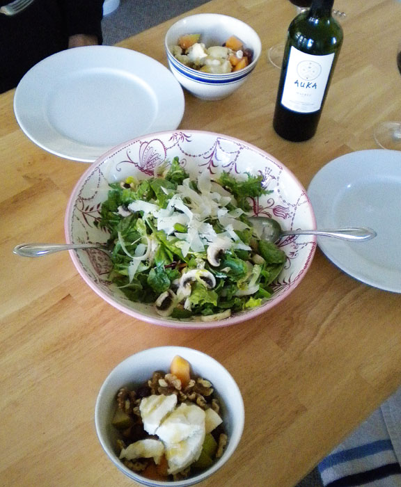 Spring mix with mushrooms, parmesan, and balsamic, olive oil dressing.