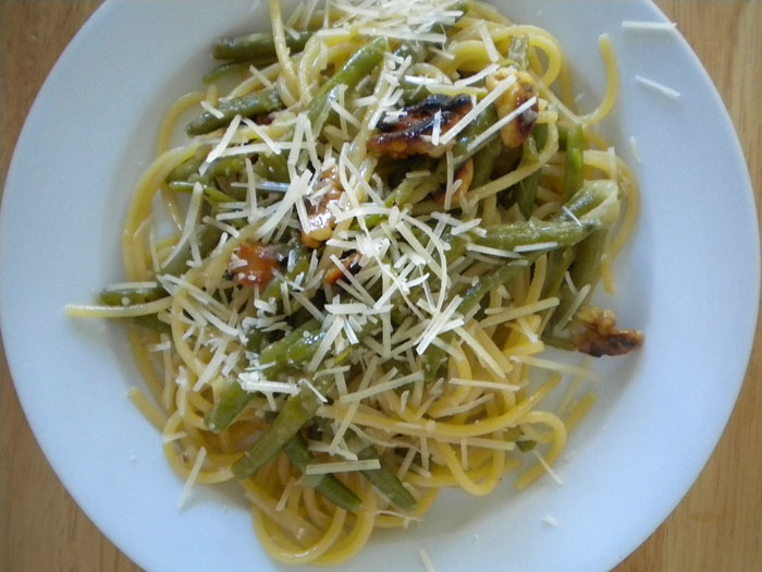 Spaghetti with green beans, walnuts, and parmesan