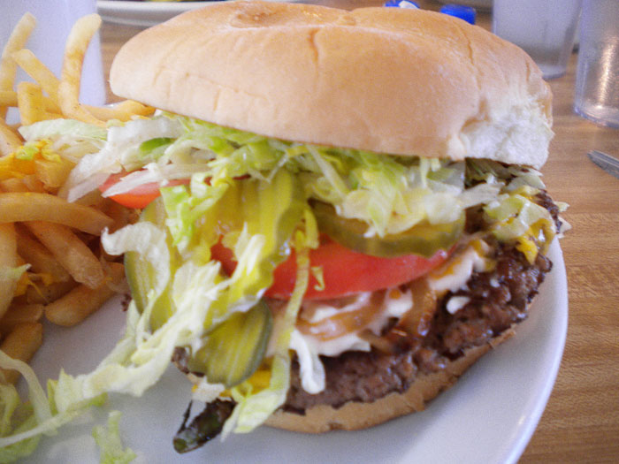 Cheeseburger from Detz. Doesn't that look delish?
