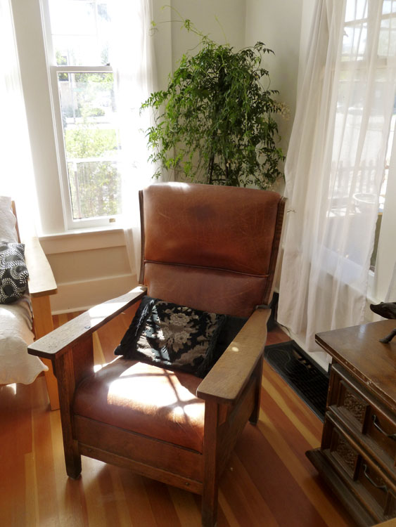 Mike's favorite Morris chair fit in perfectly with the Craftsman style.