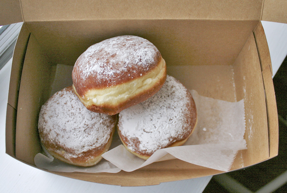 paczki from the austrian bakery in lincoln park, chicago