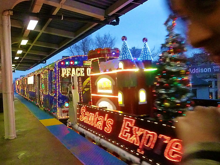 Winter Things To Do in Chicago- The Holiday Train! | Oinkety